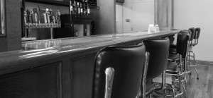 Bar Black and White